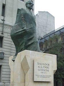 449px-Allende
