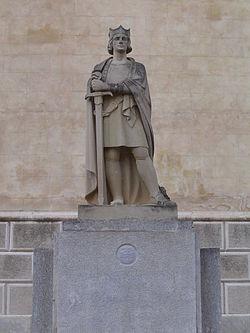 250px-Estàtua_d'Alfons_III_(Maó)